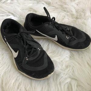 Nike | Training Flex TR 6 Sneakers Size 8